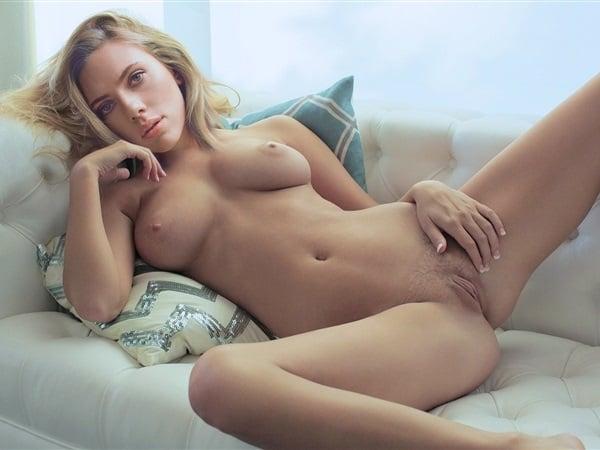 Scarlett Johansson Nuda