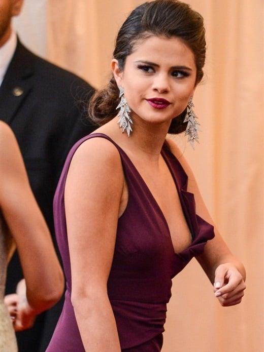 Selena Gomez Slips A Nipple At The Met Gala