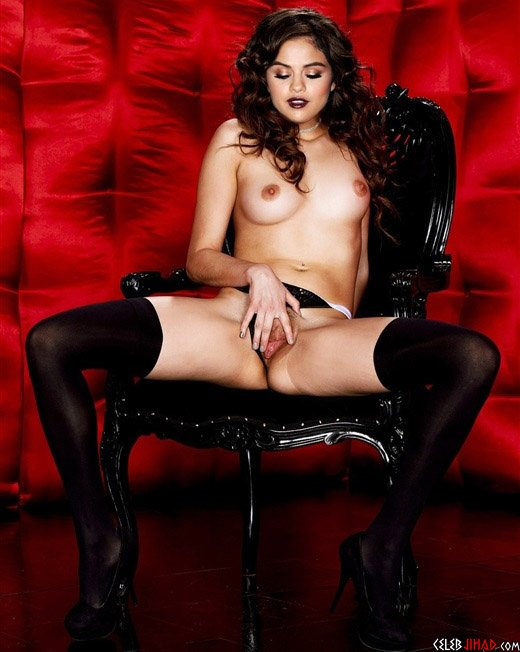 Selena Gomez Naked Spreading Her Legs And Lips