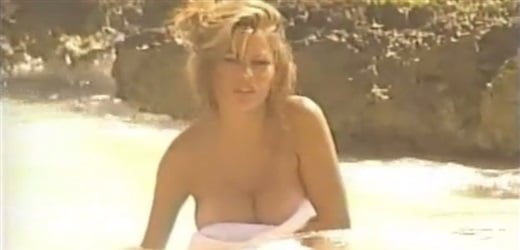 Sofia Vergara topless video