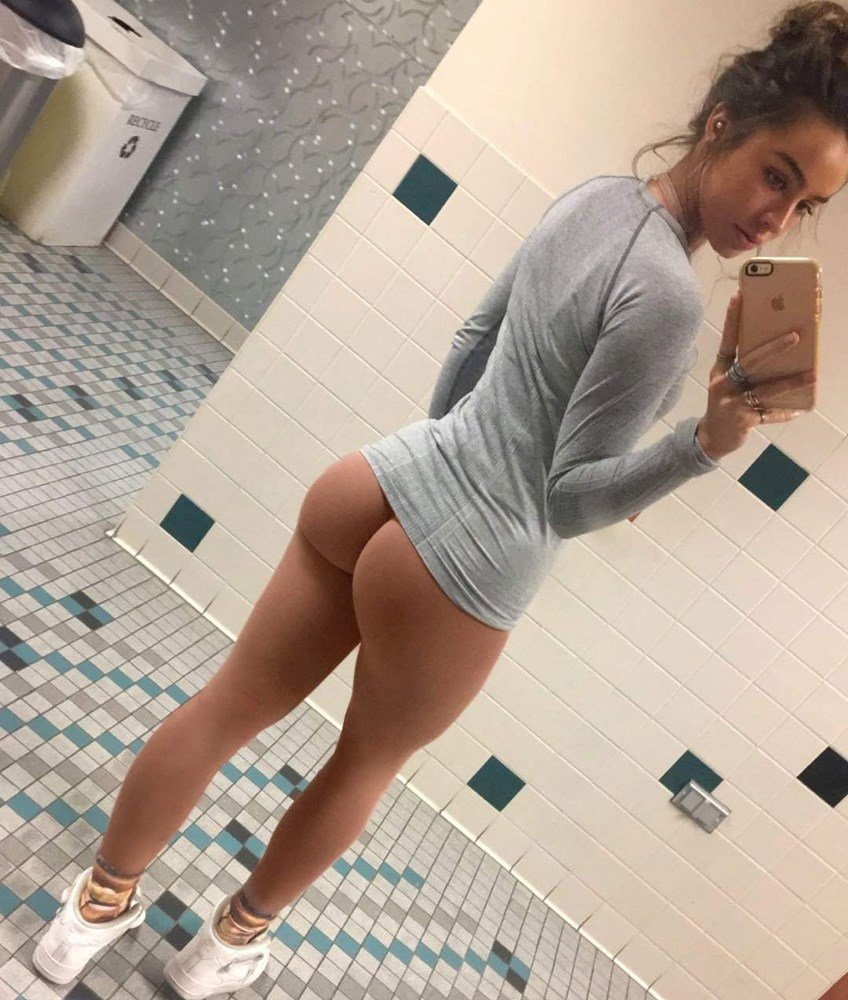 Sommer Ray Nude Boob Flash