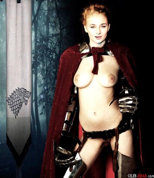Sophie Turner Post-Pregnancy Nipple Pokies