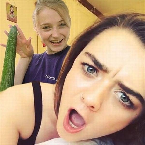 Sophie Turner And Maisie Williams Sex Scenes Video | The Sex Scene