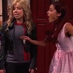 Ariana Grande Tit Slaps Jennette McCurdy