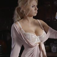 Charlotte McKinney Bouncing Her Boobs In A Bra