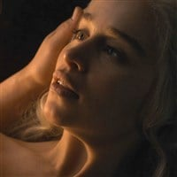 """Emilia Clarke And Kit Harington's Nude Sex Scene From """"Game of Thrones"""" Brightened In HD"""