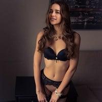 Emilia Clarke Nude Pussy Slip