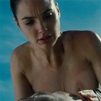 "Gal Gadot ""Wonder Woman"" Nude Scene Leaked"