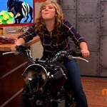 Jennette McCurdy Masturbates On Top Of A Motorcycle