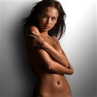 Jessica Alba Early Nude Photo Leaked