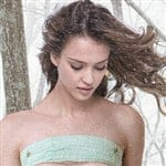 Jessica Alba Takes A Wintery Nude Photo