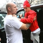Justin Bieber Lunges At A Paparazzi