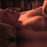 Kate Mara And Ellen Page's Nude Lesbian Sex Scenes In HD