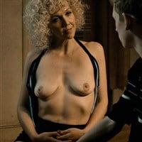 Lowfire nackt im jungel leila Leila valssi