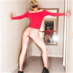 Miley Cyrus Cheeky Bottomless Pic