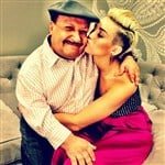 Miley Cyrus Seduces Selena Gomez's Dad