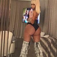 Nicki Minaj Working Her Tits And Ass