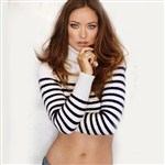 Olivia Wilde Shows Her Sexy Tummy