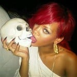 Rihanna Made Out With Michael Jackson