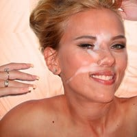 Scarlett Johansson Dangles Her Titties For A Facial