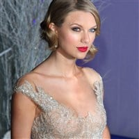 Taylor Swift's Nipples Visible In A See Thru Top
