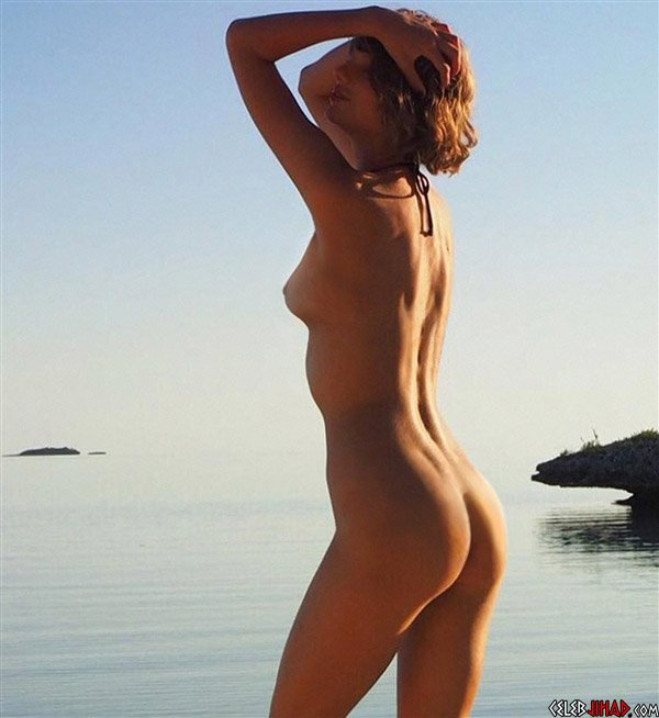 Taylor Sift Nude 54