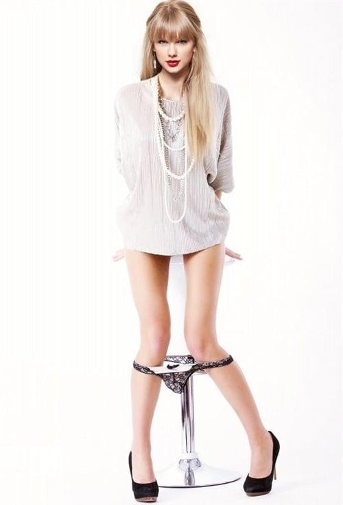 Taylor Swift In Her Panties 61