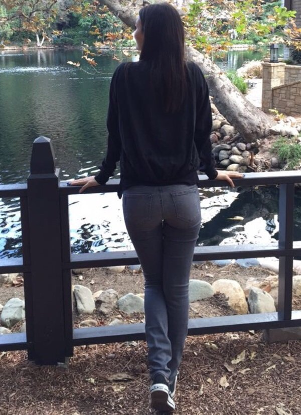 Victoria Justice booty