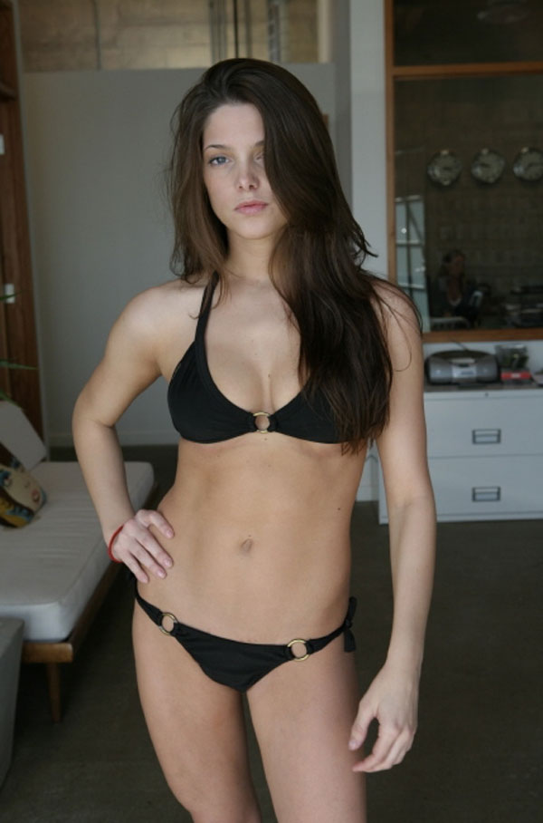 Ashley Greene From Twilight Bikini Pictures