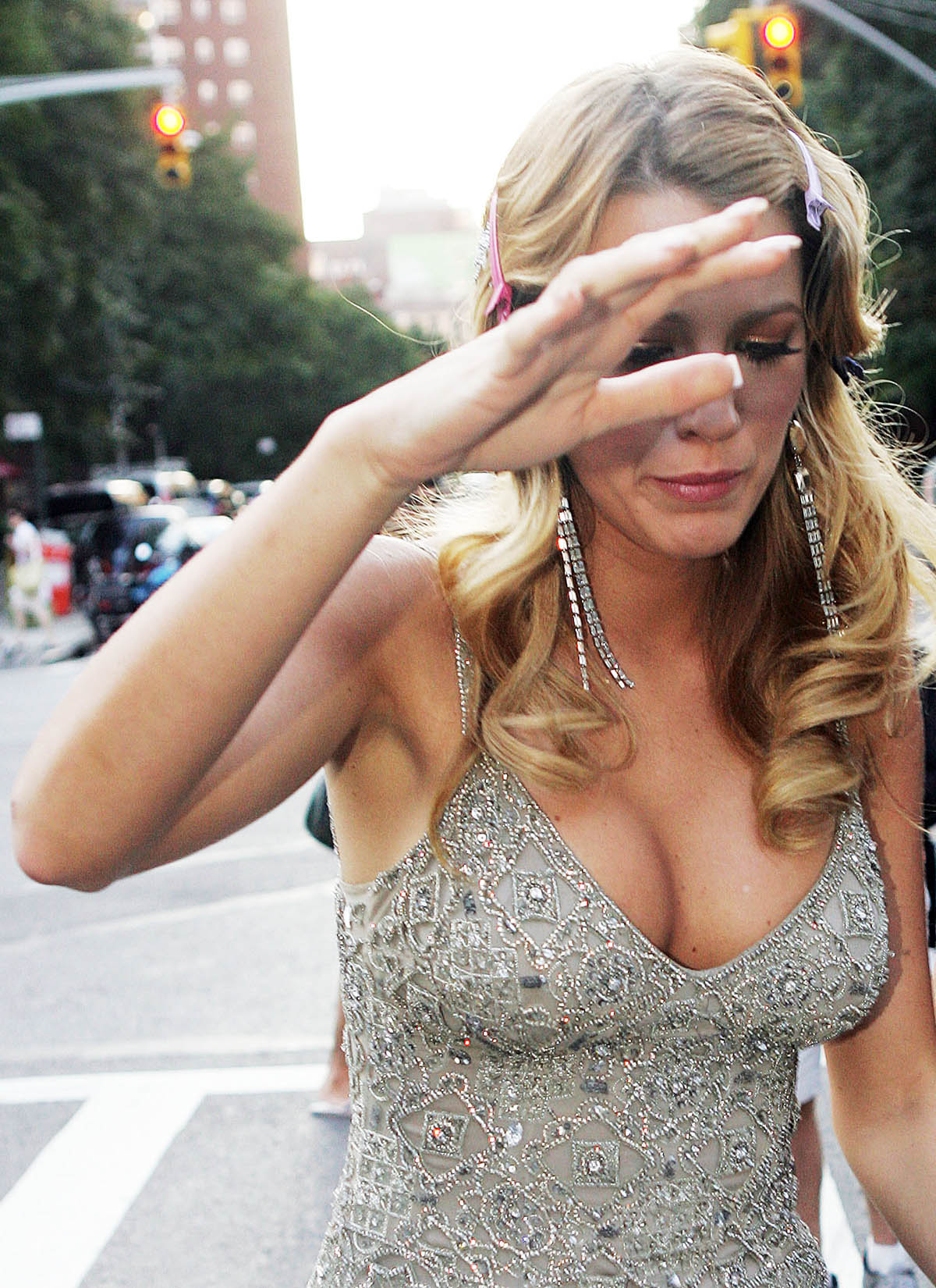 Here are the pics of blake lively s nip slip i ve also included