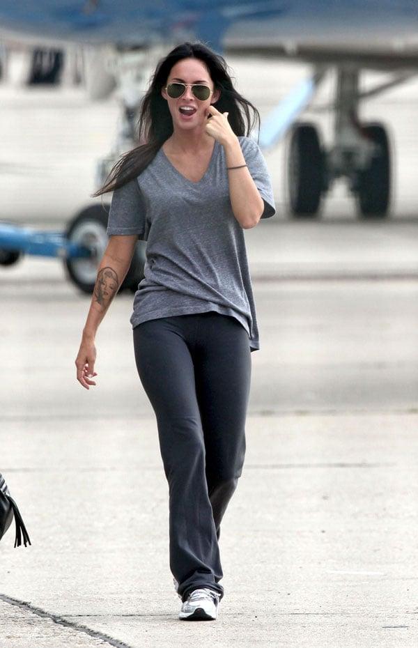 Megan Fox Cameltoe Hoe
