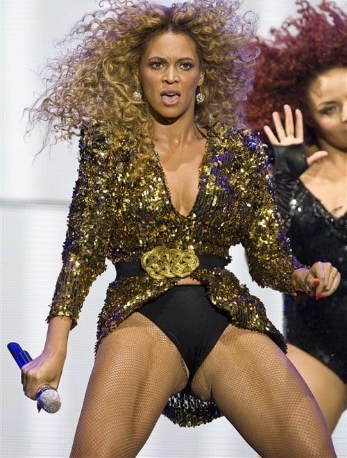 Beyonce crotch