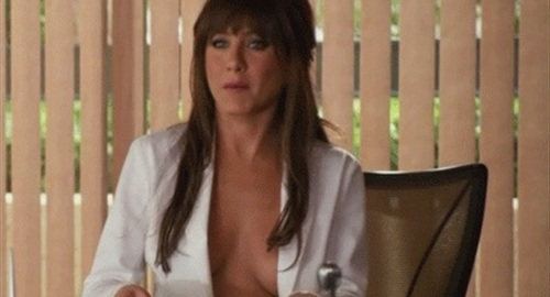 Jennifer Aniston's Shows Her Sagging Tits Vid
