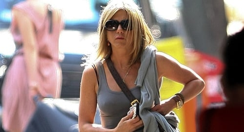 Jennifer Aniston nips