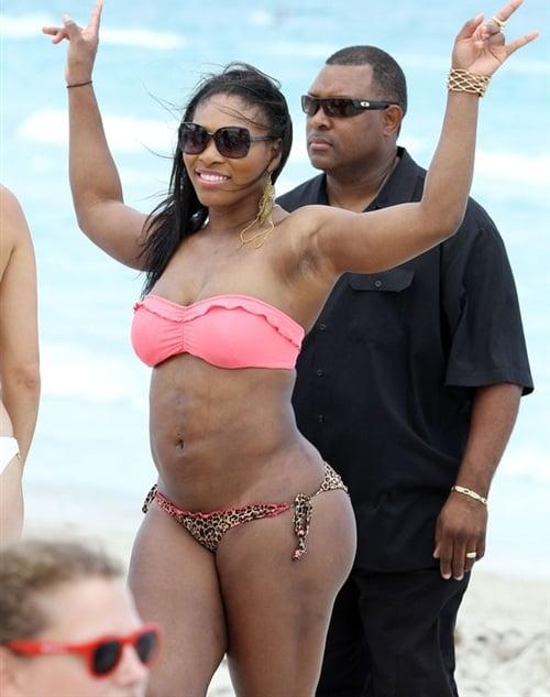 Serena Williams In A Bikini Sets Off Tsunami Alert In Japan