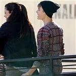 Justin Bieber Caught Fingering Selena Gomez