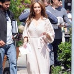Jennifer Love Hewitt Wears Beautiful Knit Burka