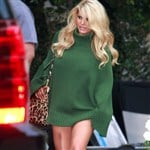 Jessica Simpson Forgets To Wear Pants