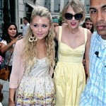 Taylor Swift 'Comes Out' With New Girlfriend