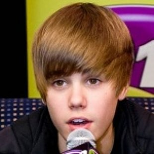 """Justin Bieber Claims Allegiance to """"Crips"""" Street Gang"""