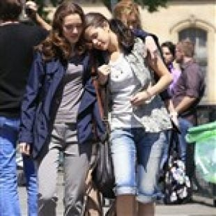 Selena Gomez And Leighton Meester Are Dating