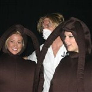 Taylor Swift And Kellie Pickler Wear Burkas