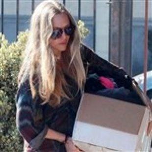 What's In Amanda Seyfried's Big Box?
