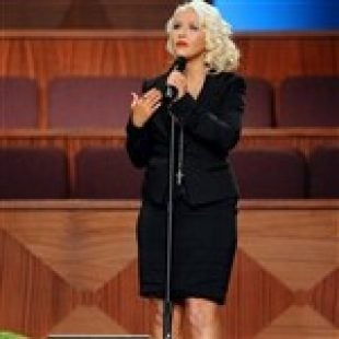 Christina Aguilera Honors Etta James With Period Blood