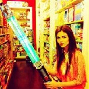 Victoria Justice Star Wars Dildo