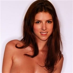 Anna Kendrick Poses Nude In Leaked Photo