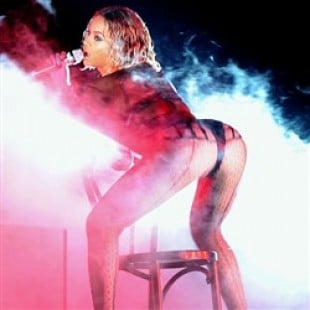 Beyonce's Booty Performance At The Grammys