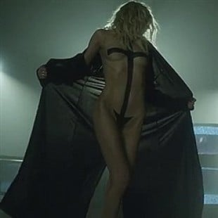 Taylor Momsen Strips In Her New Music Video
