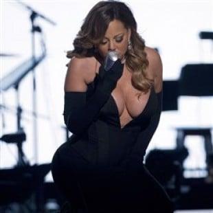 Mariah Carey Massive Cleavage At 2014 BET Honors