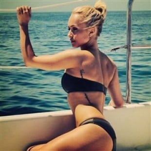 Hayden Panettiere In A Bikini Farting On A Yacht